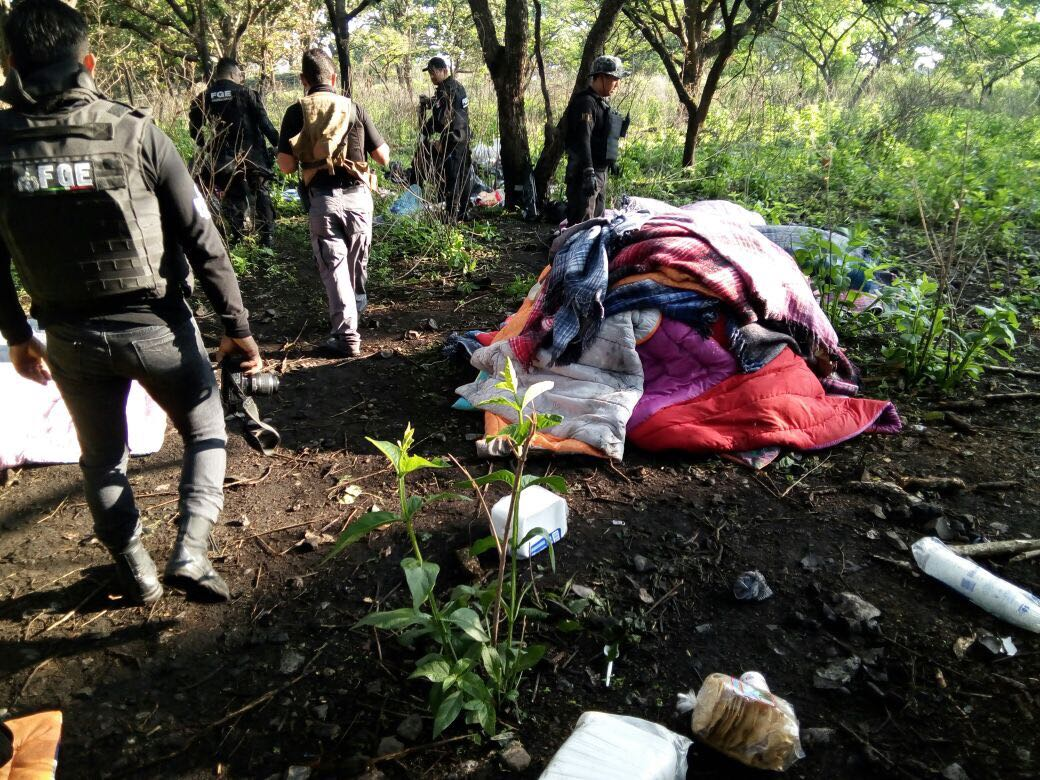 05 campamento sleeping