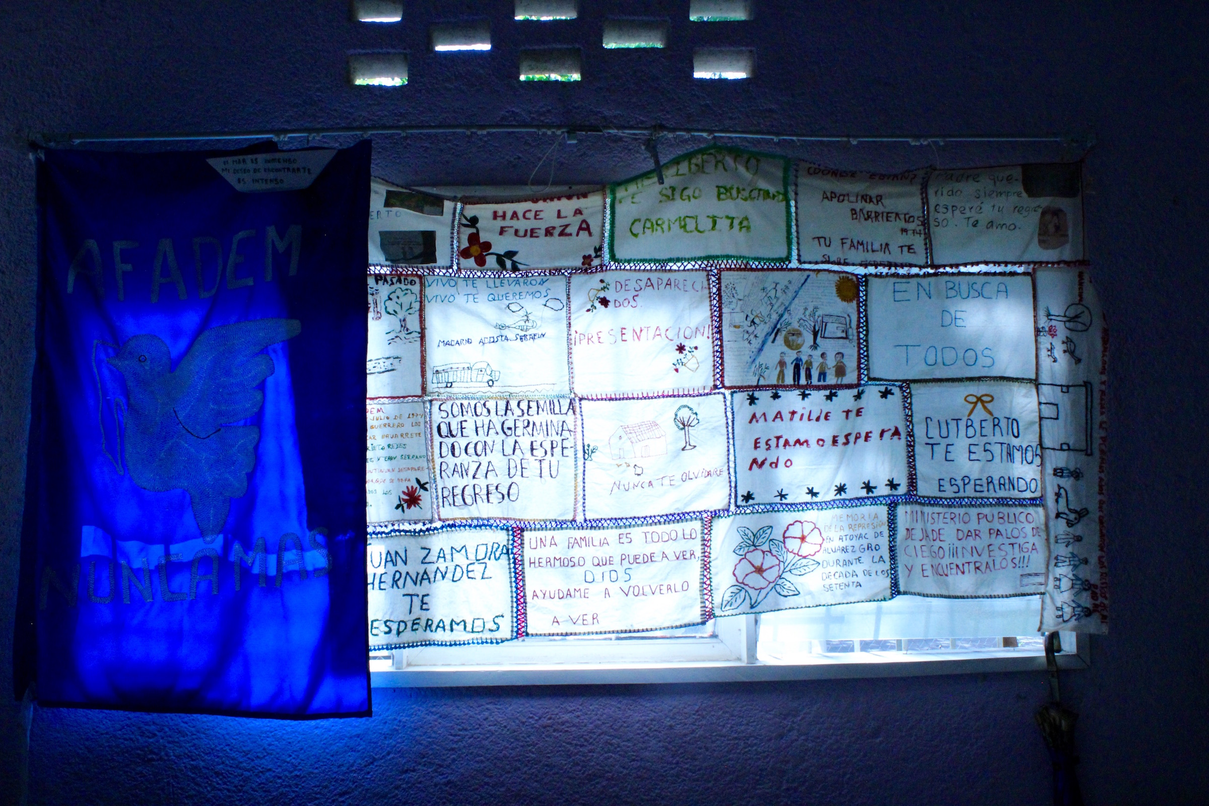 Pañuelos bordados desaparecidos 70s-Guerrero