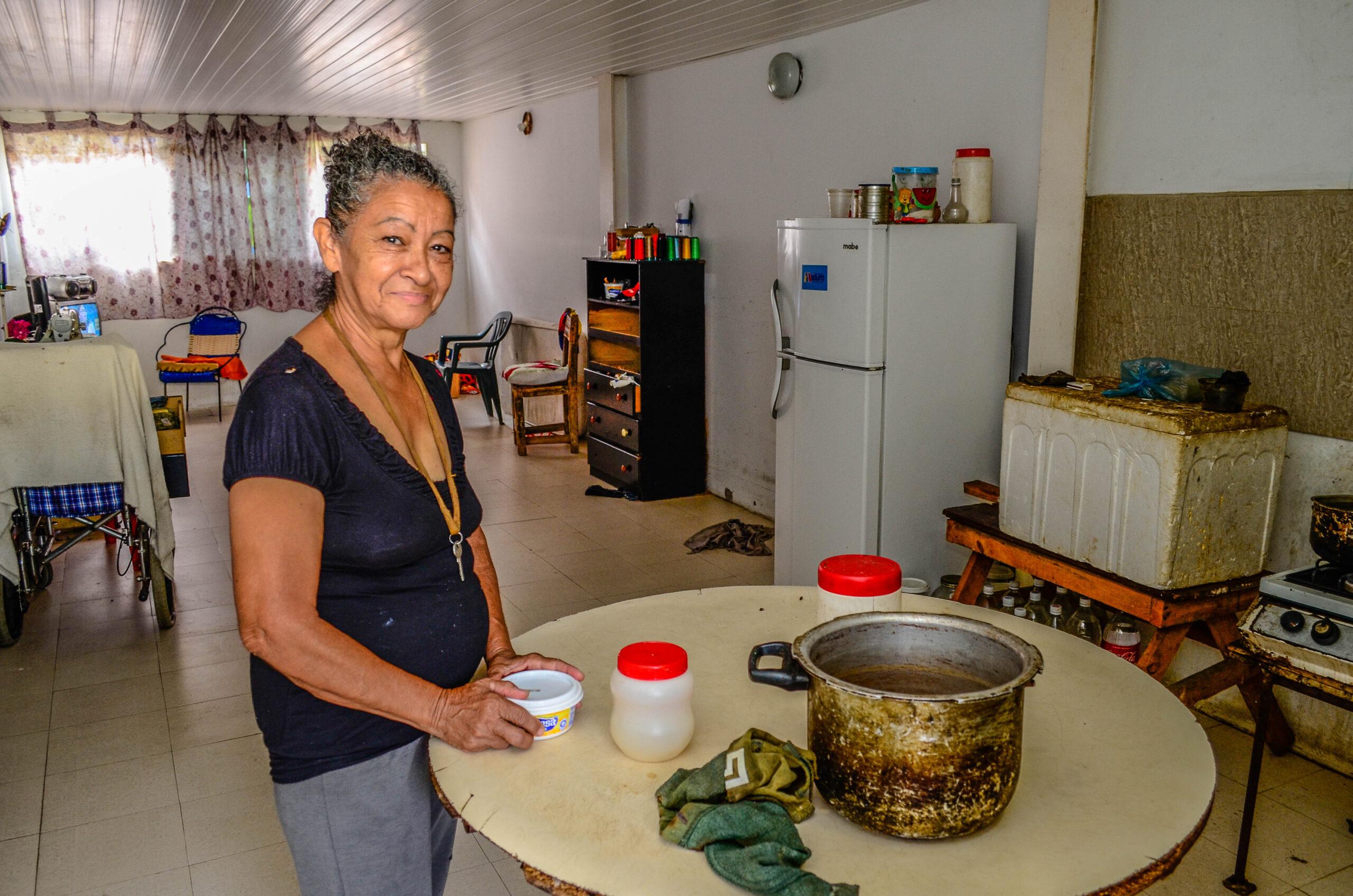 Selena Ramirez's apartment 5 credit Fernando Campos-Armando.info).jpg