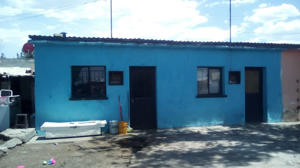 Fachada de casa de los Muñoz Veleta en Anáhuac. Foto Fam Muñoz